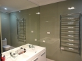 Shiny glass splashbacks